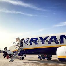 El Tribunal Supremo declara nula por abusiva la cláusula de Ryanair que permite mandar el equipaje en vuelo distinto al del pasajero y la de sumisión al derecho irlandés