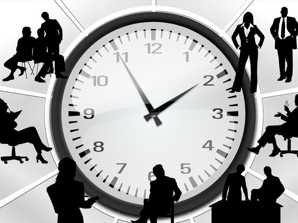 ¿Puede obligarme mi jefe a estar disponible fuera de mi jornada laboral?