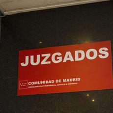 Deniegan suspensión de juicio por maternidad a abogada en Madrid