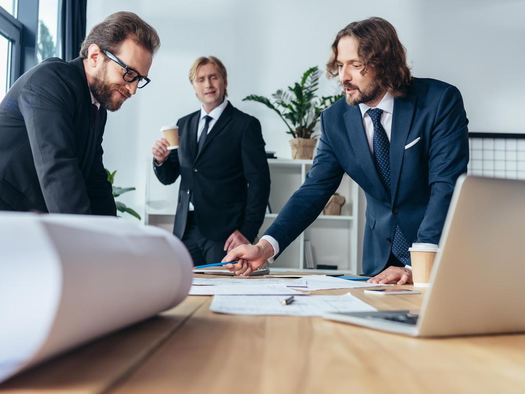 ¿Cuáles son las diferencias entre Administrador, Consejero Delegado y Apoderado? ¿Puede el Consejo delegar a otras personas?