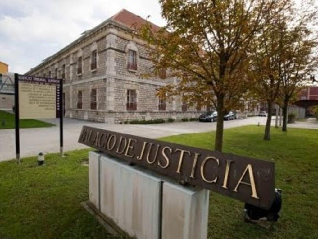 Dos años de prisión y 2.400 euros por exhibirse ante una menor y rozar sus zonas íntimas con una gorra