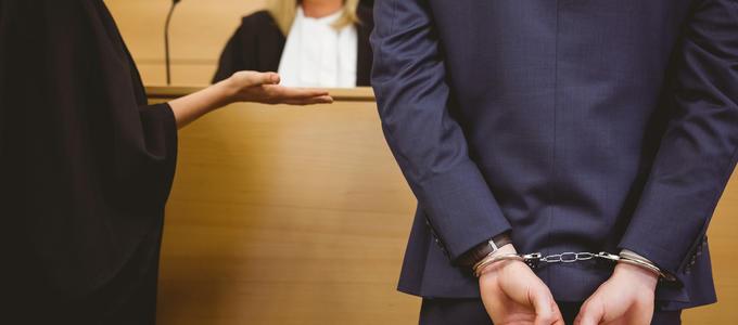 La cuestionada neutralidad del silencio del acusado frente a la prueba de indicios. Quiebra de la presunción de inocencia