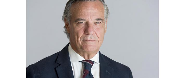 Herbert Smith Freehills ficha a Claudio Ramos, ex director general de la asesoría jurídica de Mapfre