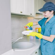 Joven empleada de hogar con fibromialgia consigue pensión por incapacidad laboral absoluta