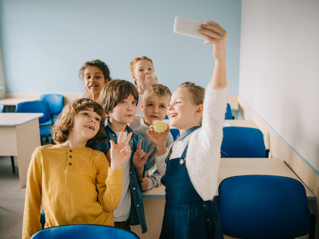 ¿Es posible realizar vídeos o fotografías en los eventos escolares?