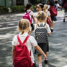 Obligan a unos padres separados a contribuir proporcionalmente a los gastos del colegio privado de sus hijos