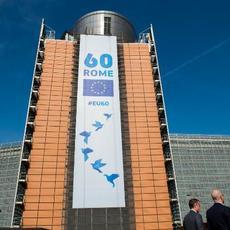 La Comisión inicia la reflexión sobre la dimensión social de Europa de aquí a 2025
