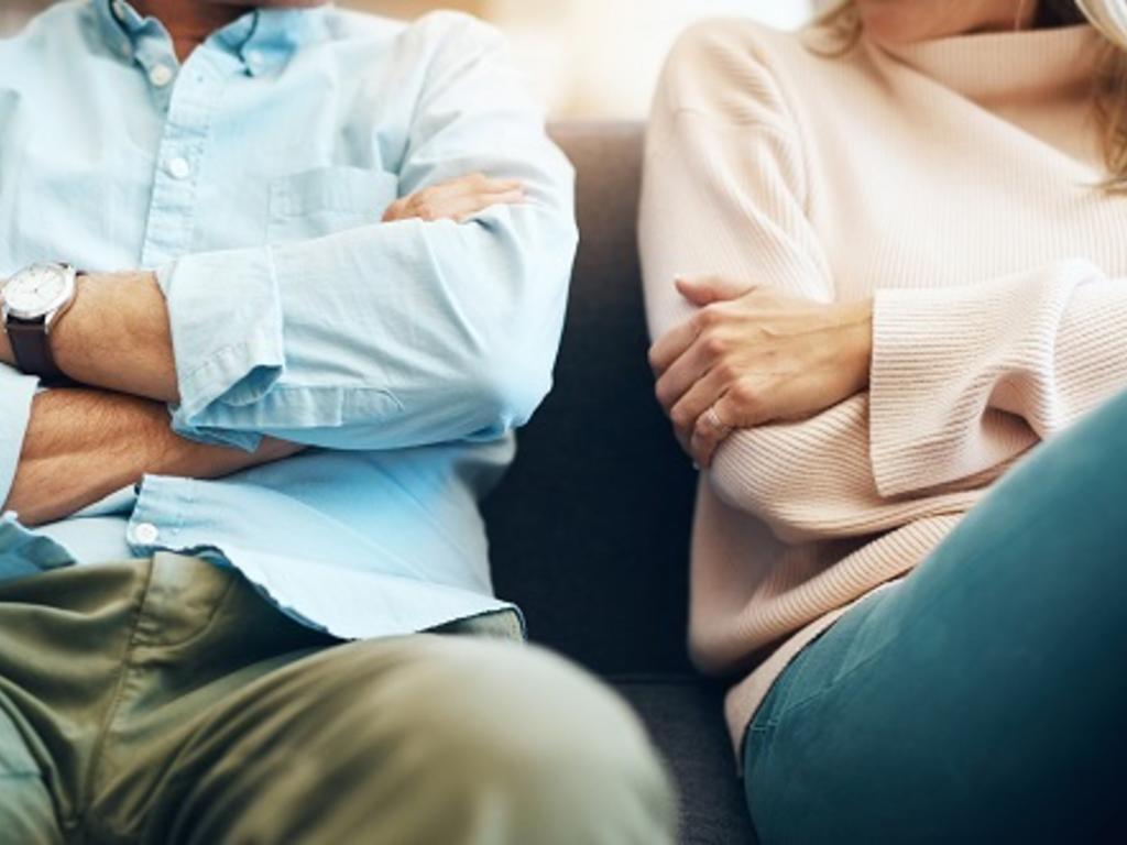 ¿Puedo demandar y pedir una indemnización a mi pareja por infiel?
