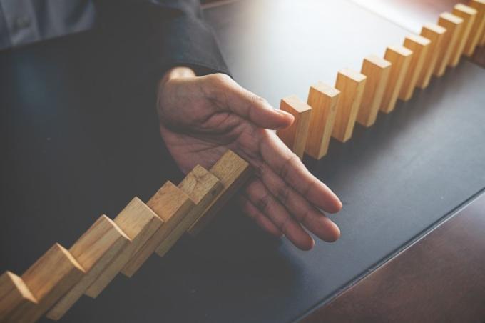 Límites A La Dimisión Del Trabajador El Pacto De