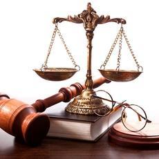La actividad jurídica lidera la cifra de negocio del Sector Servicios
